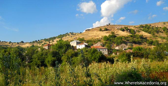 Поглед кон Долно маало, село Градешница, Мариово