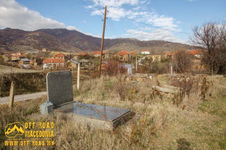Гробот на Толе Паша во село Крушевица